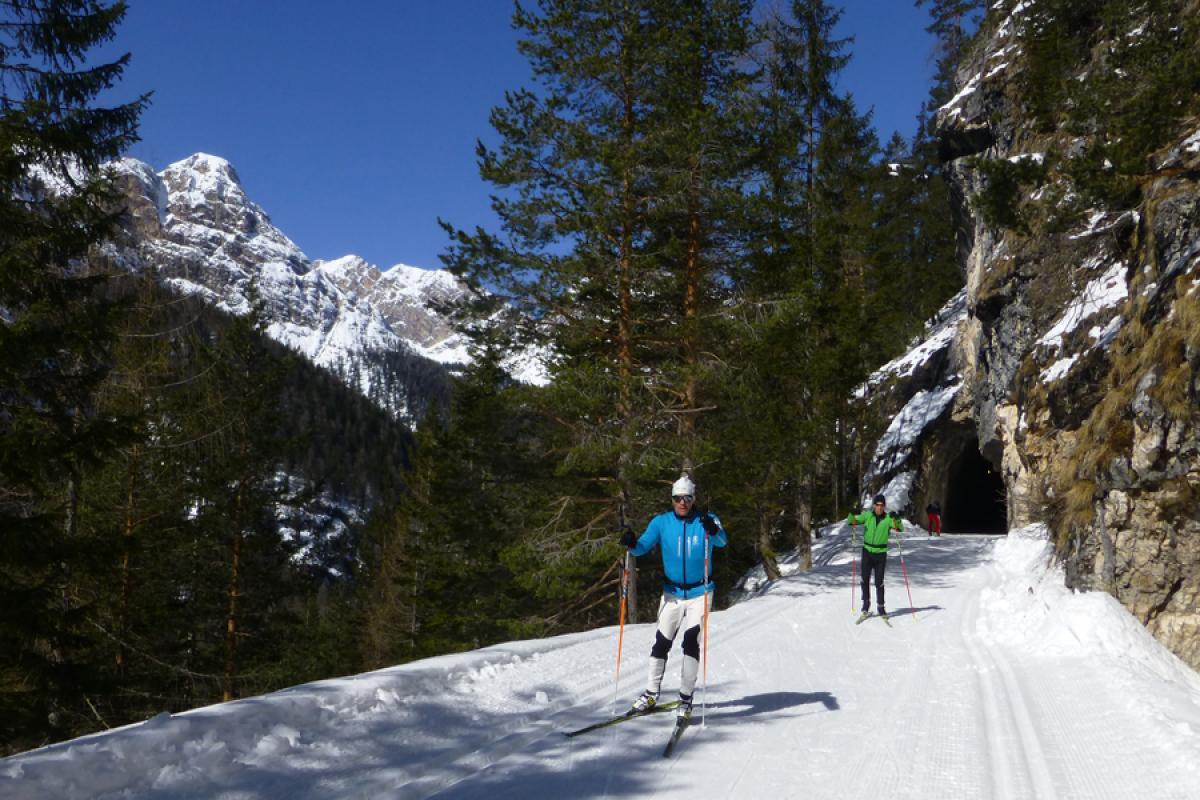 Langlaufsafari Hochpustertal und Osttirol - Loipe durch Tunnel
